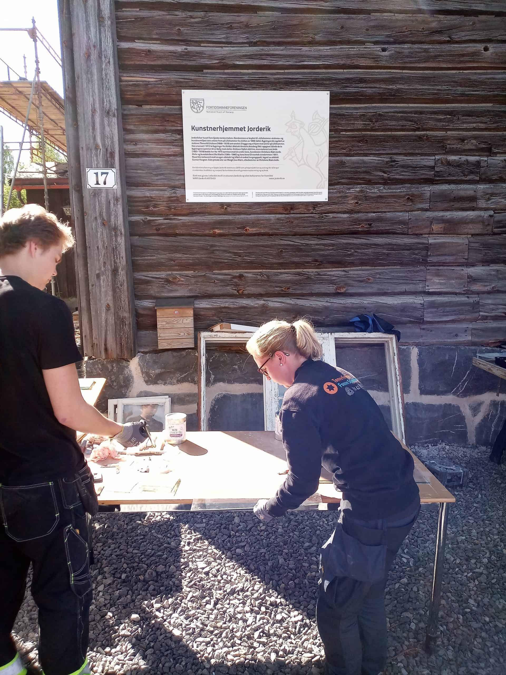 Kurs I Vindusrestaurering På Jorderik Lillehammer Sekel As